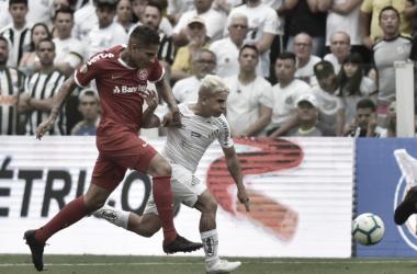 Com interferências do VAR, Santos empata com Internacional pelo Brasileirão