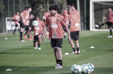 Luan durante treinamento na Cidade do Galo (Foto: Bruno Cantini/Atlético-MG)