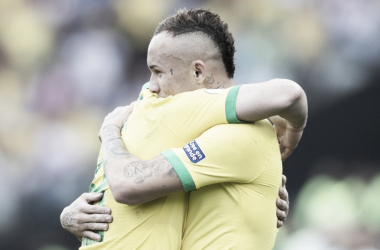 """Nas graças da torcida, Everton Cebolinha revela estar surpreso: """"Não imaginaria este momento"""""""