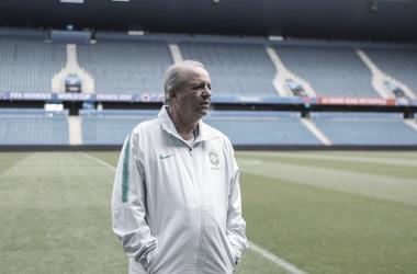 Técnico Oswaldo Alvarez está internado em tratamento de câncer; clubes se solidarizam