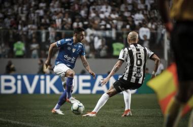 Rivais medem forças em duelo que pode ser o divisor de águas, já que times tem cenários distintos (Foto: Vinnicius Silva/Cruzeiro)