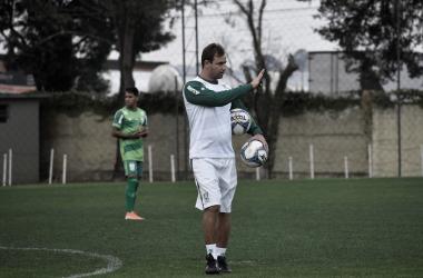 Se vencer, o Coelho chega a 13 pontos e deixar a incômoda zona de rebaixamento (Foto: Estevão Germano / América)