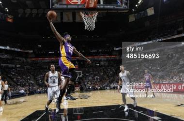 Los Spurs cayeron ante unos honrosos Lakers