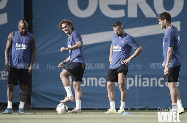 Arturo Vidal, Antoine Griezmann, Jordi Alba y Sergi Roberto en un entrenamiento. FOTO: Noelia Déniz