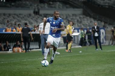 Desfalque contra o tricolor gaúcho, Dedé poderá ser substituído por seu companheiro de zaga Léo (Foto: Vinnicius Silva / Cruzeiro)
