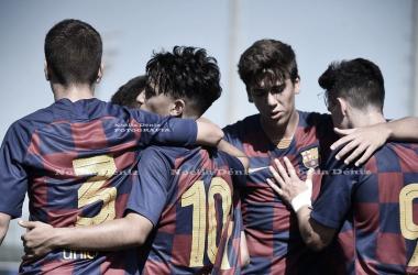 El FCB Juvenil B celebrando un gol contra el Gimnàstic de Manresa. Foto: Noelia Déniz, VAVEL