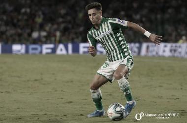 Álex Moreno enseña su día a día en el Instagram del Real Betis