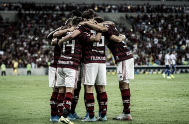 Com placar magro, Flamengo bate CSA em partida tensa no Maracanã