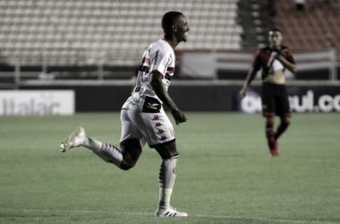 """Diego Cardoso celebra primeiro gol pelo Botafogo-SP: """"Agora é trabalhar para fazer mais"""""""