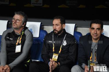 Pablo Machín en el banquillo durante un partido de Europa League. Foto: Noelia Déniz, VAVEL