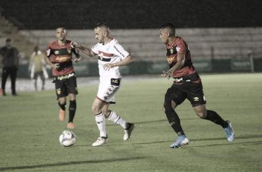 Sport vence Botafogo-SP em noite chuvosa e garante virtual acesso à Série A