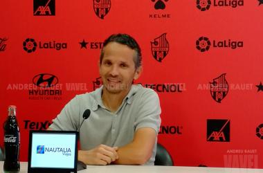 Xavi Bartolo en rueda de prensa. Foto: Andreu Rauet