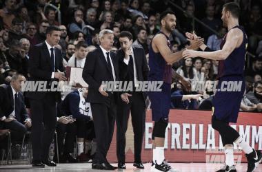 Pesic comenta el duelo con sus asistentes. FOTO: Noelia Déniz