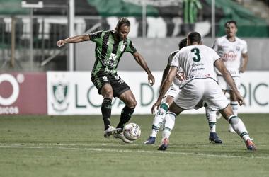 América-MG sofre virada, mas busca empate contra Caldense