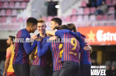 Los jugadores del Barça B celebrando el gol de Wagué | Foto: Noelia Déniz