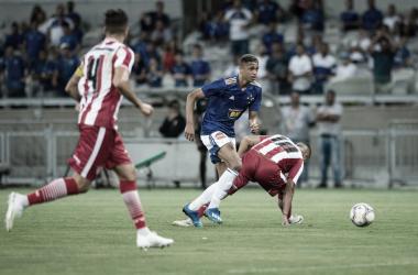 Cruzeiro conta com a sorte e derrota Villa Nova no Mineirão
