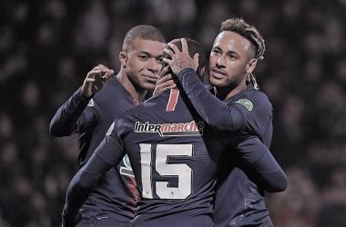 Neymar y Mbappé celebrando/ Foto: Twitter oficial PSG