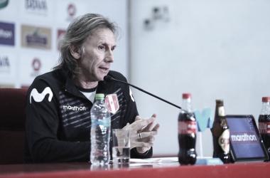"""Após vice, Gareca confirma permanência no Peru: """"Estou acostumado a respeitar contratos"""""""