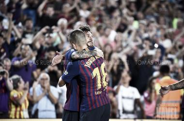 Leo Messi y Jordi Alba ante el Deportivo Alavés en el Camp Nou | Foto de Tomás Rubia, VAVEL