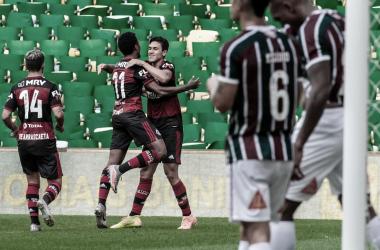 Em clássico tenso, Flamengo bate Fluminense na primeira final do Carioca