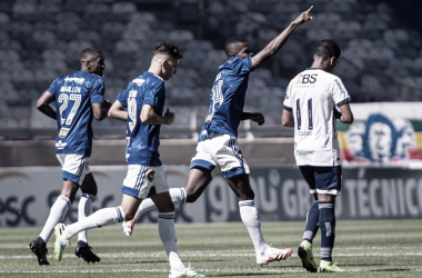 Cruzeiro vence URT e mantém chances de avançar no Mineiro