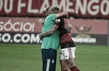 """Gabigol defende Domènec após nova atuação fraca do Flamengo: """"Tem nosso apoio"""""""