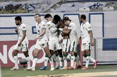 No clássico mineiro da Série B, América leva a melhor e entra no G-4 com vitória sobre Cruzeiro