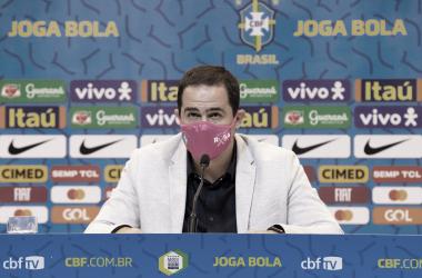 Sem jogadores atuantes no Brasil, André Jardine convoca Seleção Olímpica para amistosos
