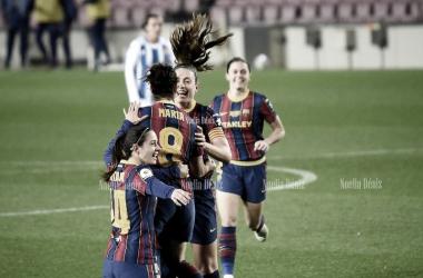 Las jugadoras del Barcelona ante el Espanyol | Foto: Noelia Déniz (VAVEL)