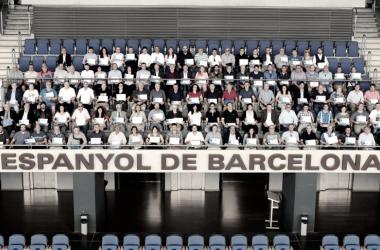 Los socios que cumplen un cuarto de siglo como socios del Espanyol. Foto: Web oficial RCD Espanyol.