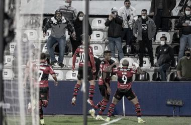 Flamengo goleia Olimpia fora de casa e encaminha classificação à semifinal da Libertadores