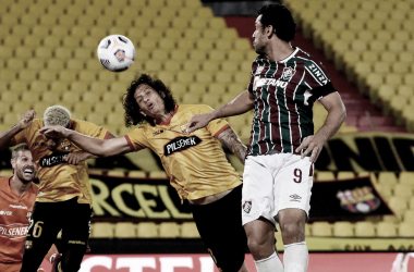 Com gols de centroavantes, Barcelona empata com Fluminense e avança na Libertadores