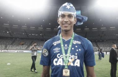 Raniel esteve em campo só para comemorar o título da Copa do Brasil de 2017, pois se lesionou com cerca de cinco minutos da decisão contra o Flamengo (Foto: Isabelly Morais/Vavel Brasil)