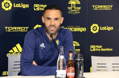 Sergio Sánchez durante la rueda de prensa en la Ciudad deportiva del Rosal . Fotografía: Cádiz cf