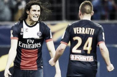 Cavani junto a su compañero de equipo, Verratti. Foto de Ovación.