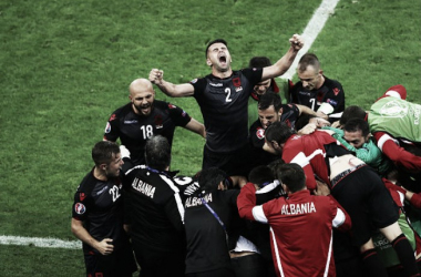 Romania 0-1 Albania: Sadiku the hero as Eagles celebrate first win