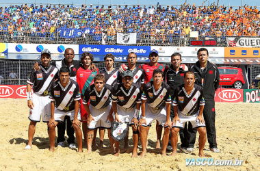 Nas areias, Vasco mantém a base da equipe campeã do mundo em 2011 (Foto: Divulgação/Vasco)