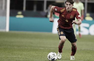 Gavi se convierte en el debutante más joven de la historia con España