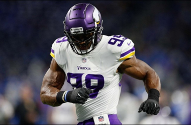 Minnesota Vikings agree to extension with star defenseman Danielle Hunter