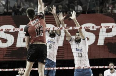 Sesi-SP derrota Sesc-RJ e vai à final da Superliga Masculina