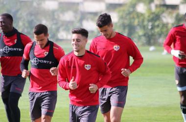 Jugadores del Rayo Vallecano durante un entrenamiento | Fotografía: Gema Paz (VAVEL)