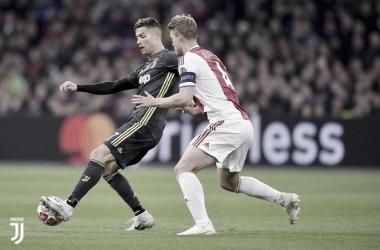 Cristiano Ronaldo vs De Ligt el partido de ida / Foto: Twitter oficial Juventus