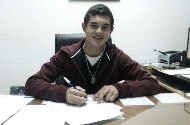 Lovera firmó su primer contrato con Central. (Foto: Sitio Oficial)
