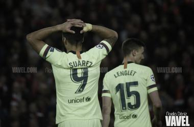 Luis Suárez lamentándose tras la derrota en Anfield | Fuente: Noelia Déniz (VAVEL)
