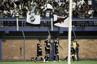 Yago Pikachi fez o gol e foi para galera. (Foto: Carlos Gregório Jr/Vasco.com.br)