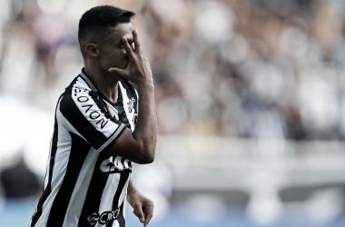 Erik celebra único gol da partida (Divulgação/Botafogo F.R)