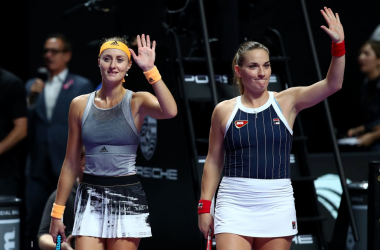 Babos and Mladenovic acknowledge the crowd after their win | Photo: Clive Brunskill