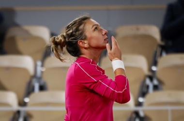 French Open: Simona Halep demolishes Amanda Anisimova, cruises into second week