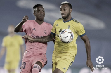 Carlos Akapo frente al Real Madrid / Fotografía oficial de LaLiga