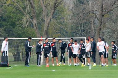 El pincha se prepara. (FOTO: www.edelpoficial.com.ar)